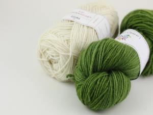 Elve slippers grön/vit - garnkit