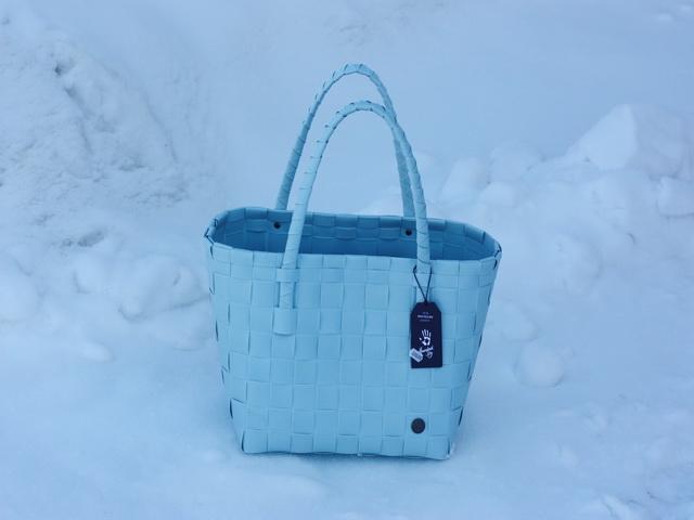 Paris pastellblå - flätad väska