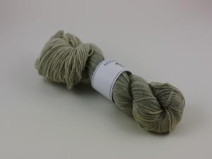 En skitsur gråsugga - sockgarn ull/bomull 100g