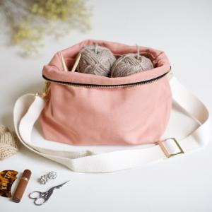 Coral pink - Plystre crossbody pouch