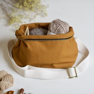 Honey brown - Plystre crossbody pouch