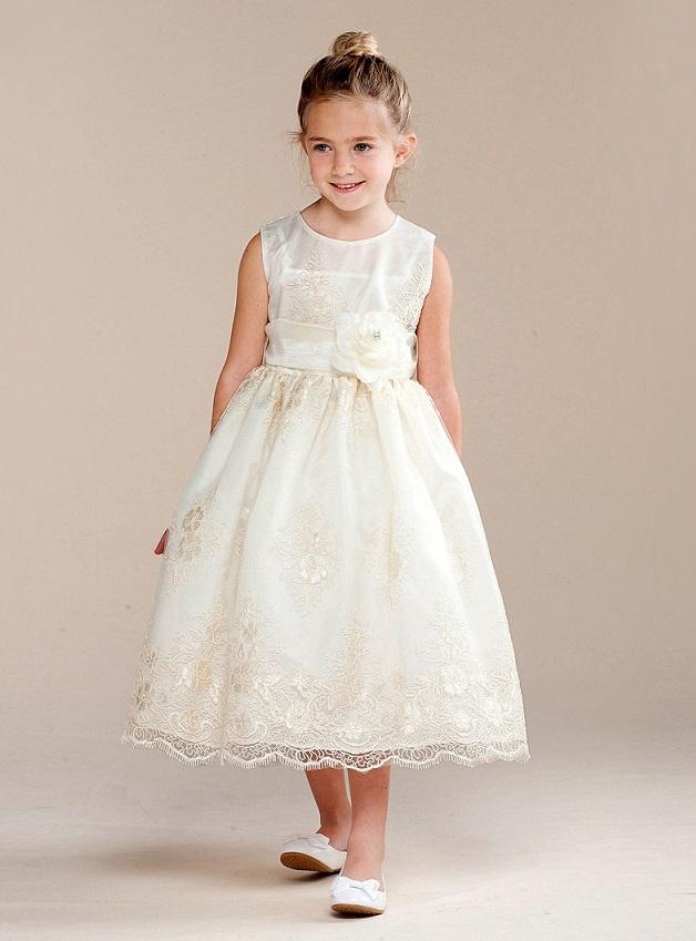 a059e81b1ec9 Bröllopskläder för barn, dam och herr. Brudnäbbsklänningar ...