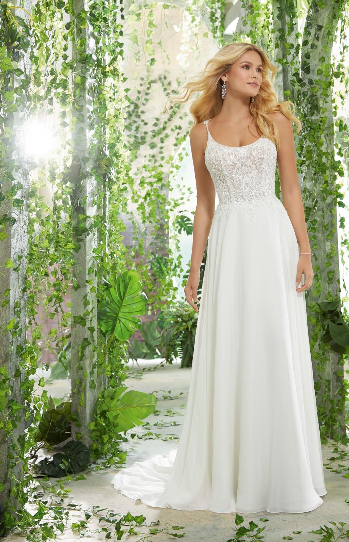 fd47b16cd715 Bohemiska och romantiska brudklänningar hittar du hos oss!