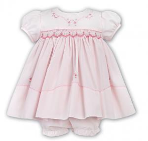 Rosa finklänning med underbyxa