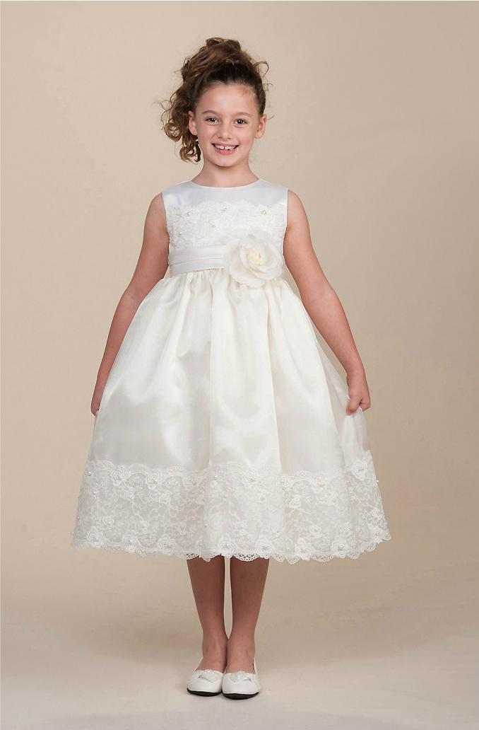 bfe3d6163638 Unika näbbklänningar för bröllop!