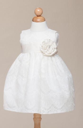 fa638c1fd05d Festklänning Noor - gräddvit. 540 SEK / st