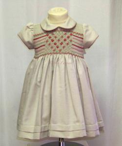 Smockad festklänning Märtha