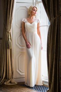 Brudklänning 18420