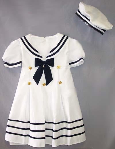 Vit sjömansklänning