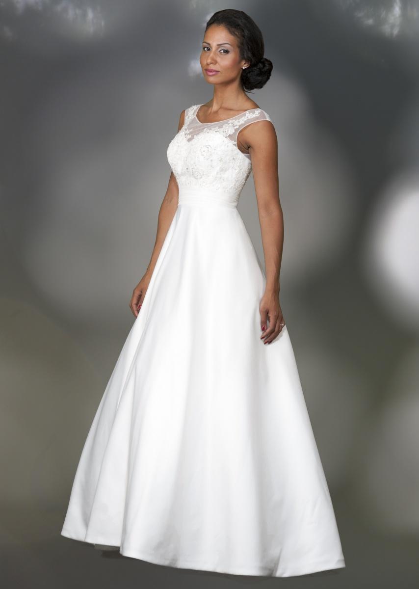 a7ea1a17bc3f Här hittar du vackra bröllopsklänningar av hög kvalite!