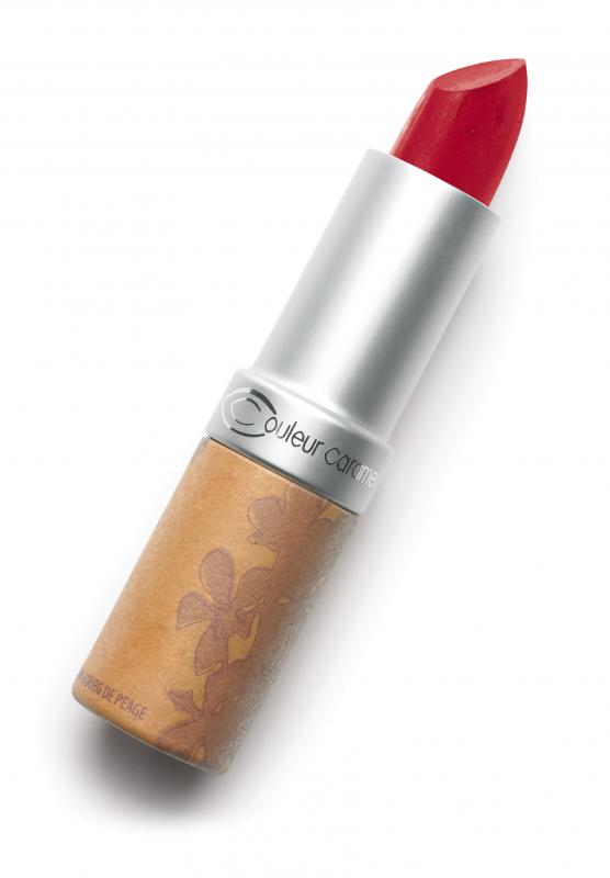 Couleur Caramel Lipstick n°122 Red-currant red