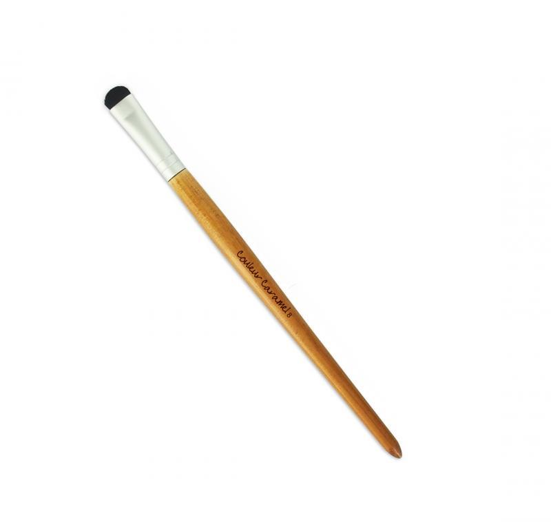 Couleur Caramel Accessory Eye shadow Brush with short firm bristles n°8