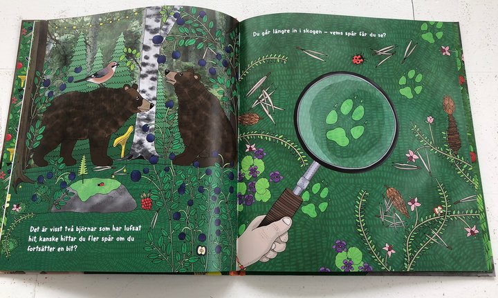 Barnbok- uppslag vems spår? av Sarah Watson och Emma Jansson