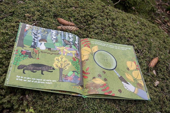 Barnbok-vems bajs uppslag av Sarah Watson och Emma Jansson