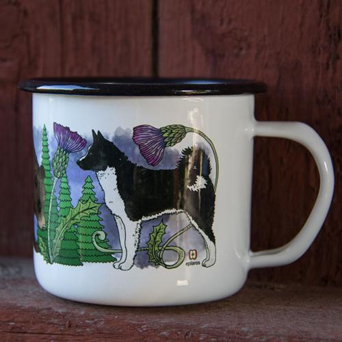 Vit emaljmugg med motiv av Karelsk björnhund från Eplaros