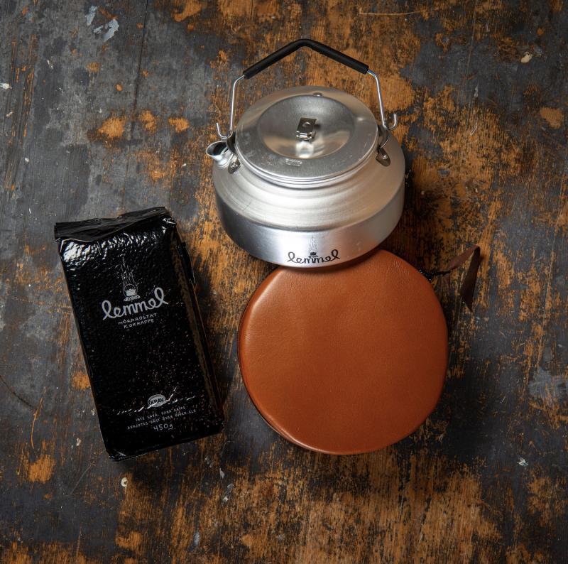 Kaffepanna med läderfodral och Lemmel kokkaffe