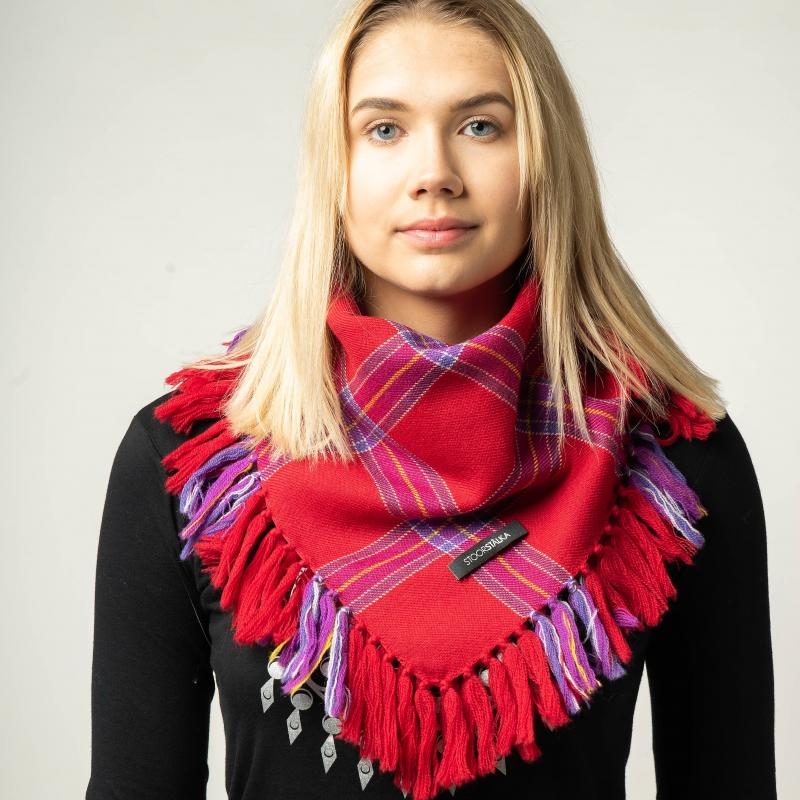 Stoorstålka mellanstor samisk ullsjal röd