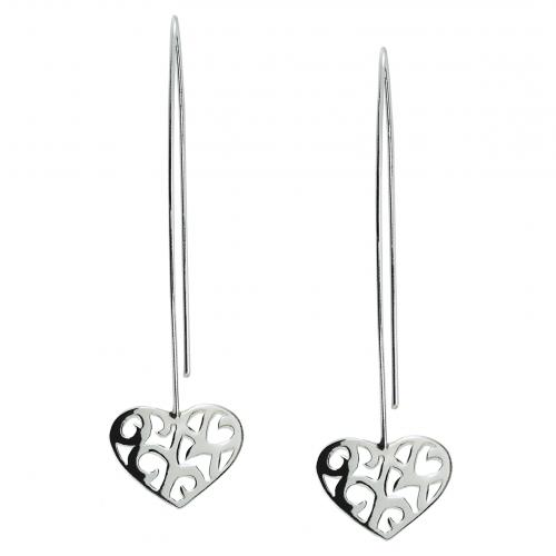 Unika örhängen i silver från smyckesdesigner Camilla Mustikka