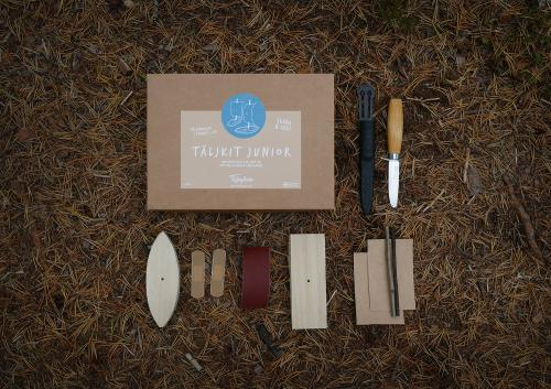 Delar för att tälja sin egen träbåt med morakniv