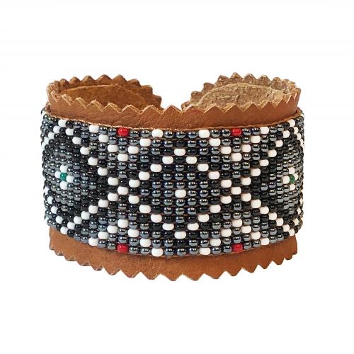 Armband renskinn och glaspärlor svart