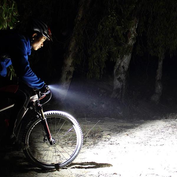 Fenix BC30R Led cykellampa