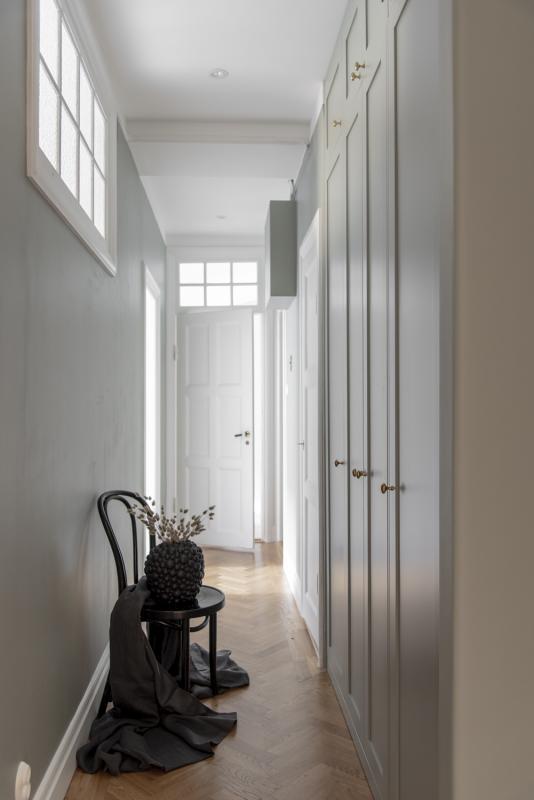 Kort högerhängd dörr 50cm Pax - med Ram