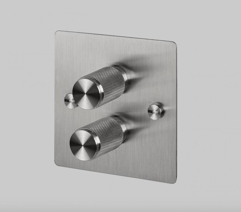 Buster & Punch stål platta med dubbel vridströmbrytare i stål
