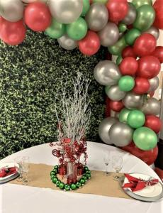 Jul Ballongbåge i Röd/Grön/Silver. 60 Delar.