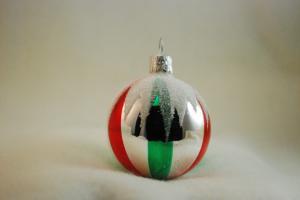 Silver blank dekor röda och gröna ränder