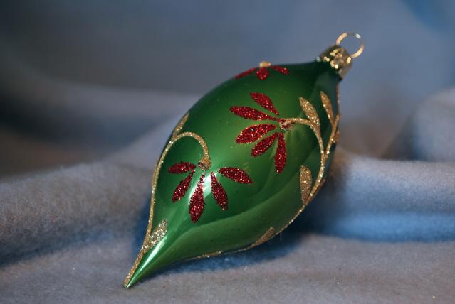 Droppe grön med blomranka