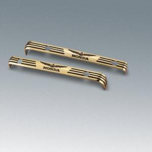 Emblem cylinder guld 1800