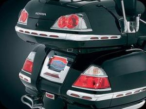 accent trunk tail 1800