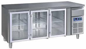 Kyldisk med 3-glasdörrar