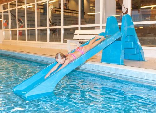 Diving slide