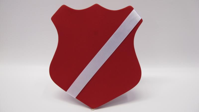 Märkessköld färg röd