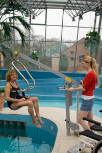 Pool lift mobile, model 3200