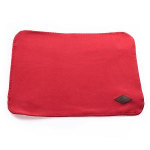 Röd pläd i dubbel fleece till katt och hund