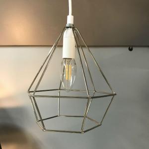 Fönsterlampa metalltråd