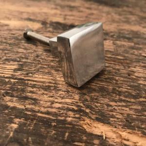 Knopp 25mm fyrkant aluminium
