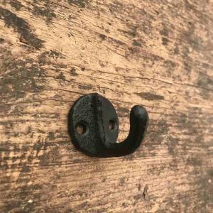 Krok vägg gjutjärn svart D30x Djup 30mm