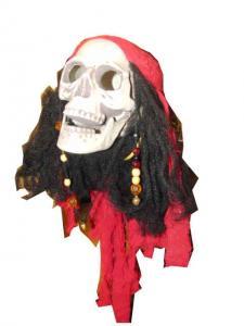 Piratskalle hängande