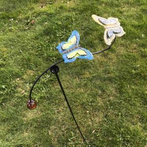 Trädgårdsdeko gungande fjärilar H105cm