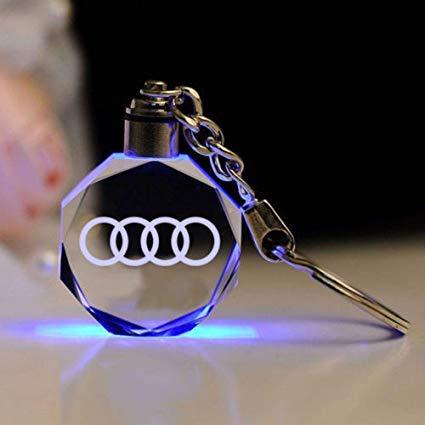 AUDI LED kristall nyckelring med alla färger