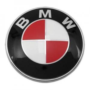 Röd BMW emblem till huv och bagagelucka