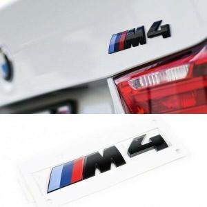 BMW M4  logo emblem märke till bagageluckan