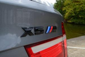 BMW X5M X5 M tech logo emblem till bagageluckan