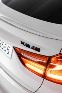 BMW X6M X6 M tech logo emblem till bagageluckan