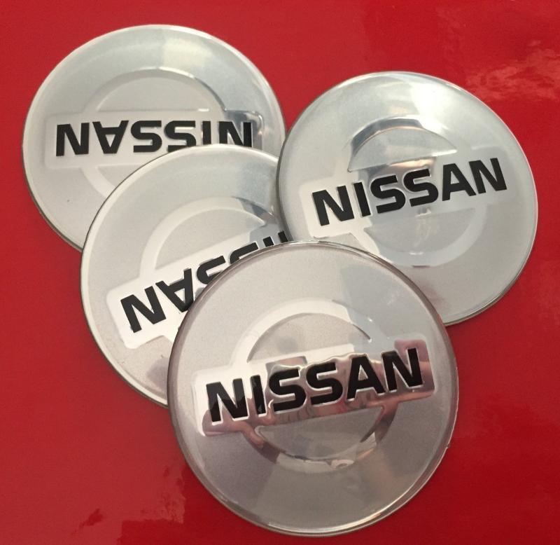 Nissan logo hjulnav emblem i silverfärg 65 mm