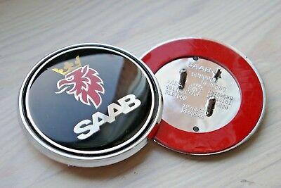 SAAB emblem i svart till huv och baklucka