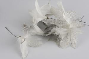 Zigzag Feather on String 12 st - Feather Romance